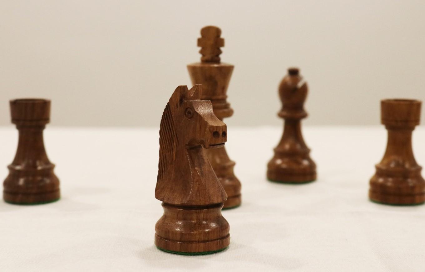 Peças de Xadrez em Madeira - Stauton 6