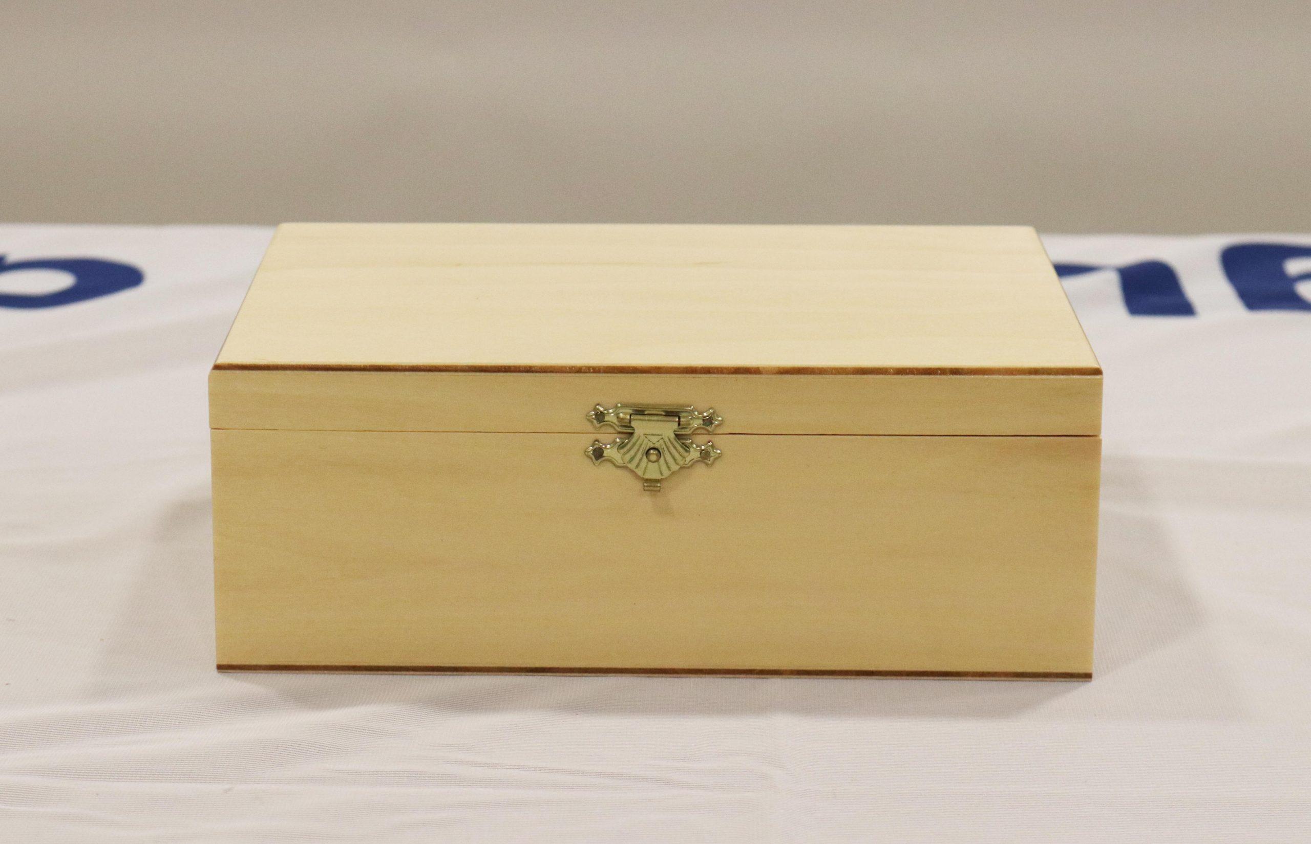 Peças e Caixa de Madeira S6